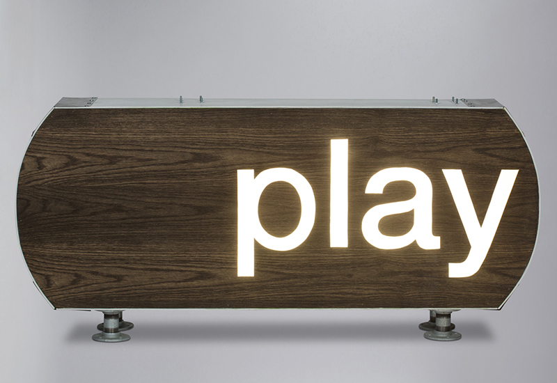 PLAY"
